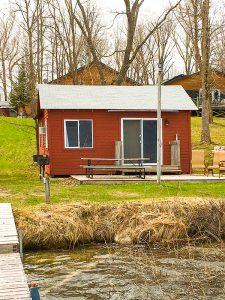 Bear's Den cabin and deck
