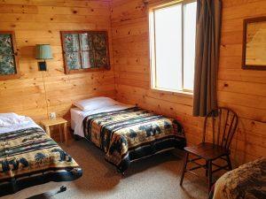 3 twin bed bedroom